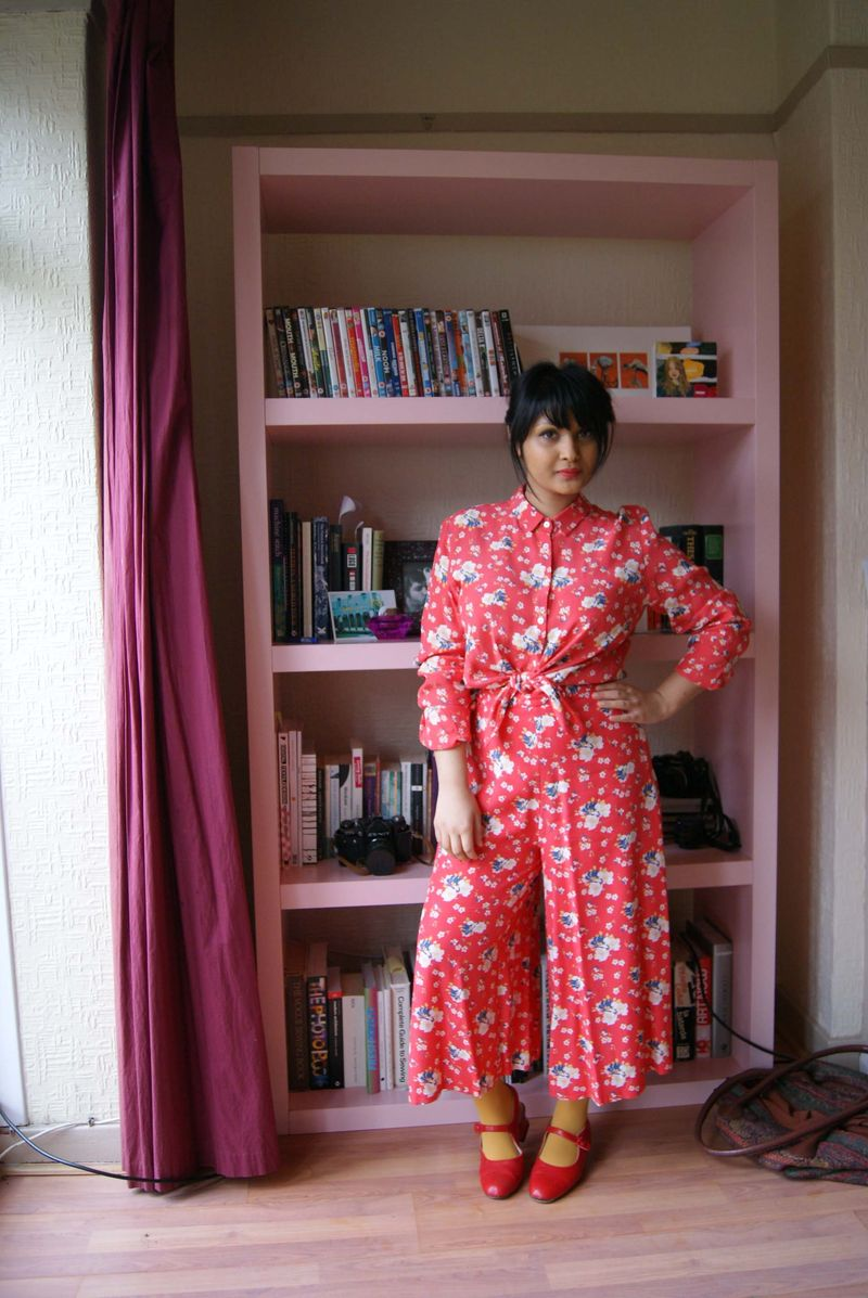 Red flowery culottes