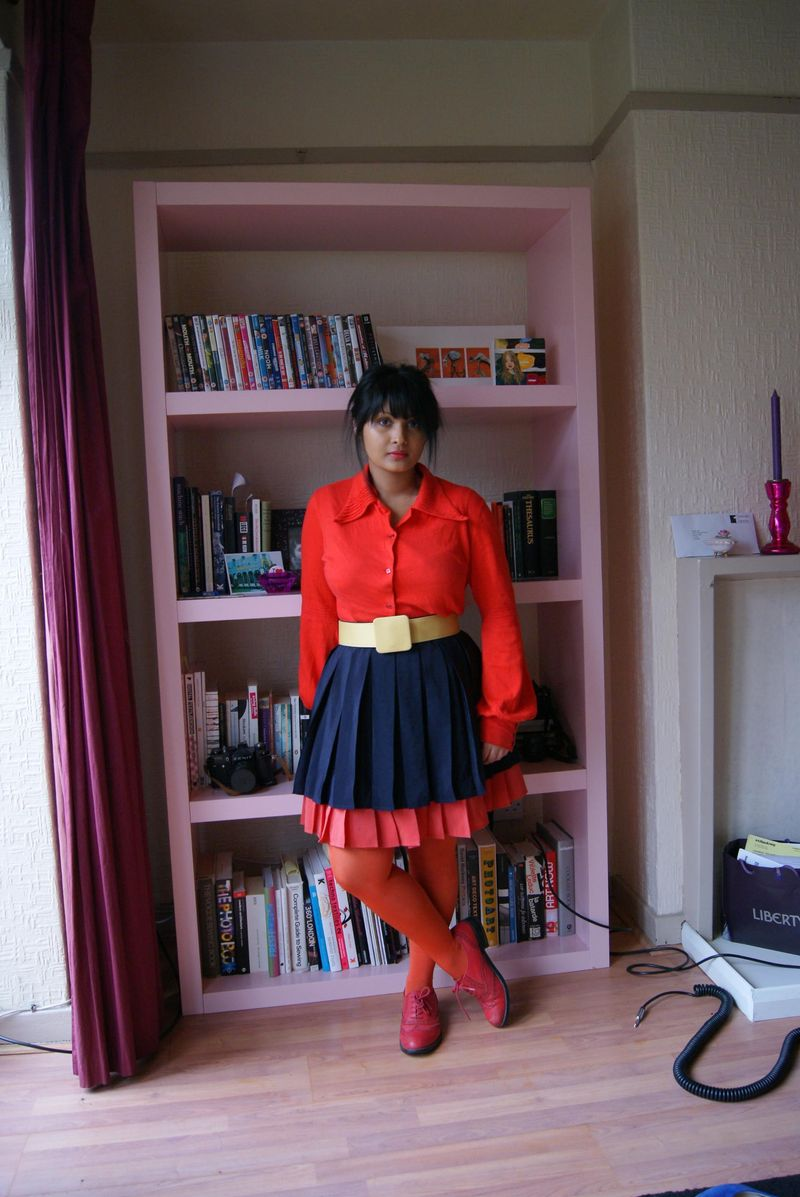 Orange tights red shoes